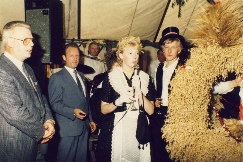 Roepe_Etta_Erntefest_1985-44