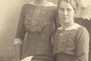Anna-und-Elisabeth-Meyer-aus-Holtum-Marsch