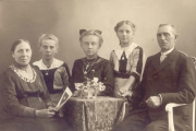 Familie-Heinrich-Meyer-aus-Holtum-Marsch