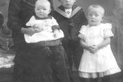 Anna Frese mit Kindern